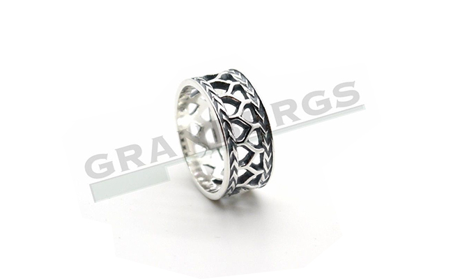 kalev_silver_ring03.jpg