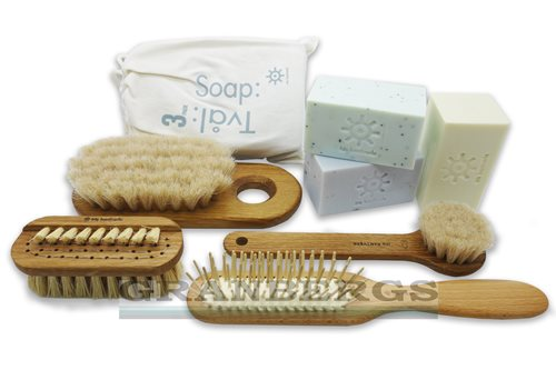Iris Hantverk Soaps and Brushes Pampering Pack